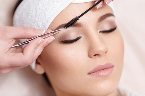 Schedule eyebrow tinting at Bella Papilio